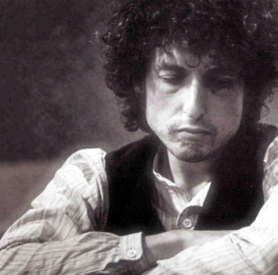 bob dylans social commentary Bob dylan, the singer and many of them became anthems of various social movements that were happening in the it is still quite clearly a commentary on.