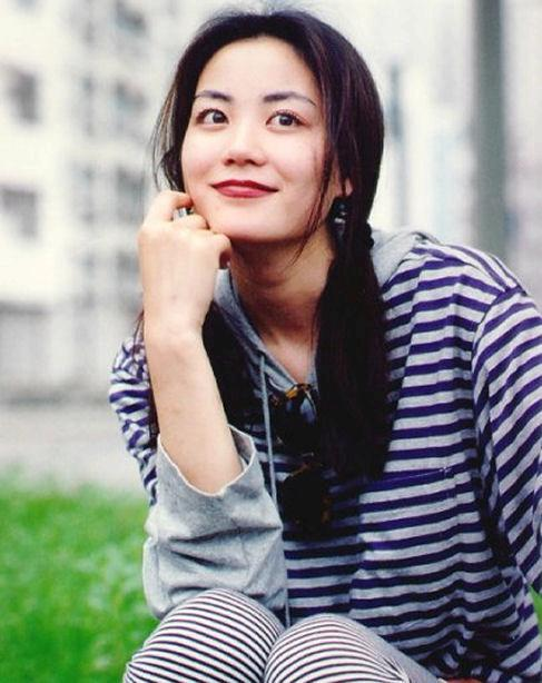 Faye Wong earned a  million dollar salary, leaving the net worth at 150 million in 2017