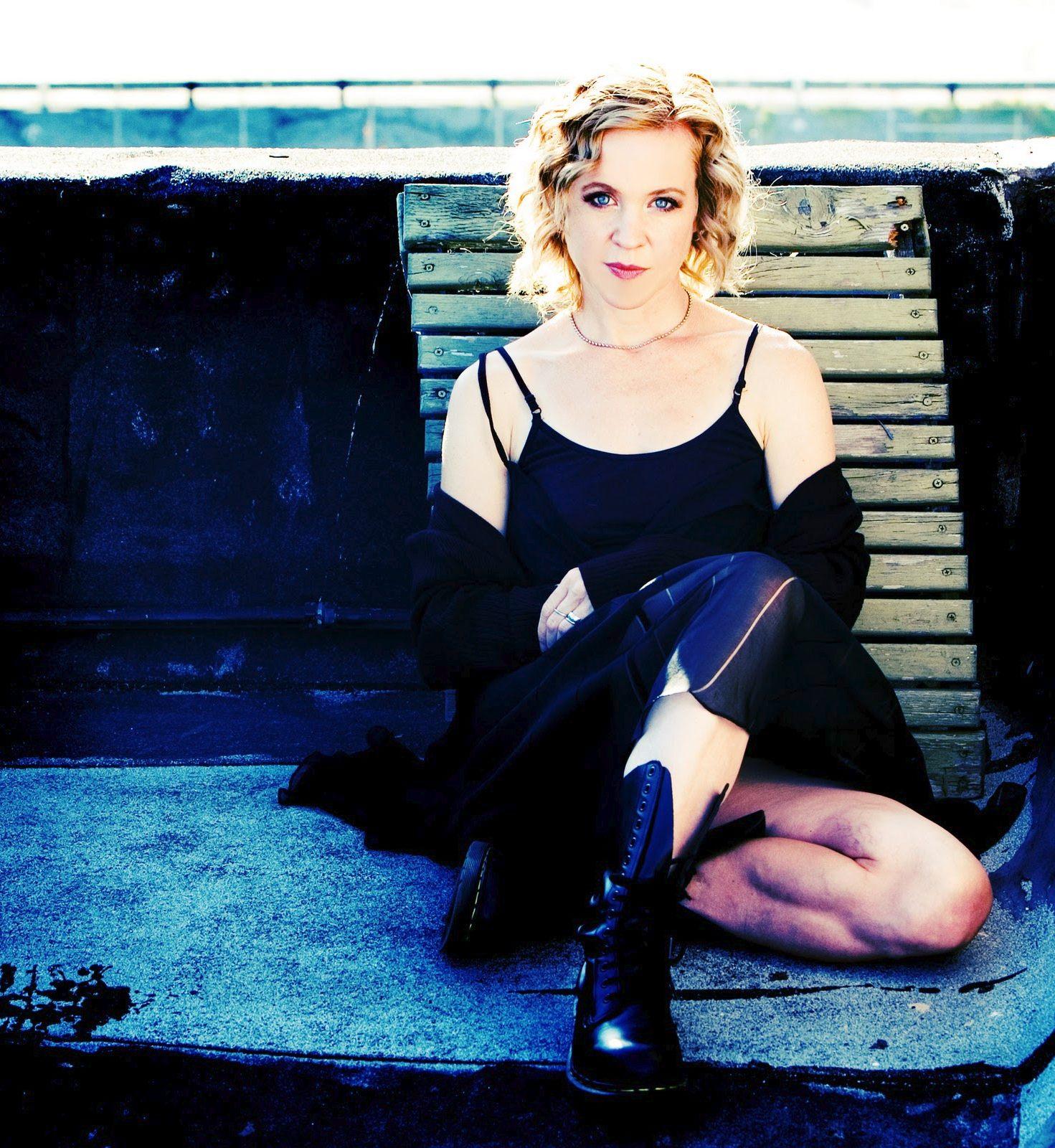 Kristin Hersh Lyrics, Photos, Pictures, Paroles, Letras